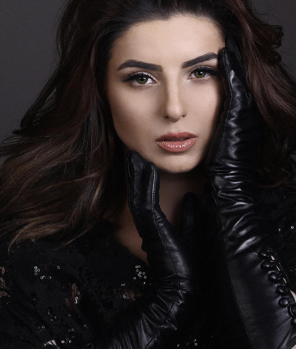 лежу слегка армянские актрисы без одежды сумки